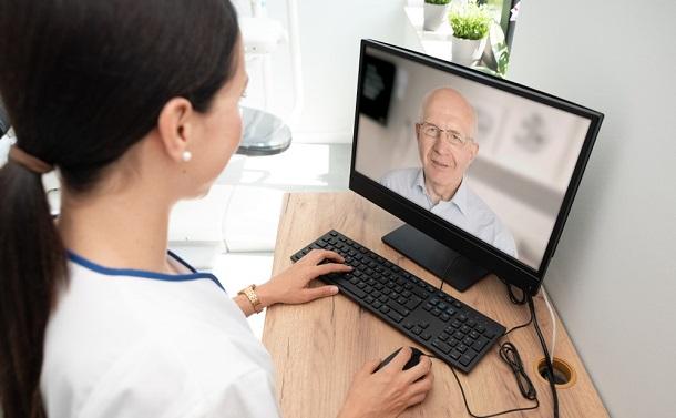 新型コロナ対策 オンライン診療を推進せよ