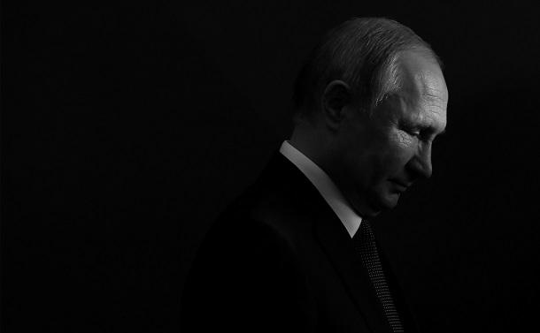 「神」に近づくプーチン 2036年まで大統領を継続へ
