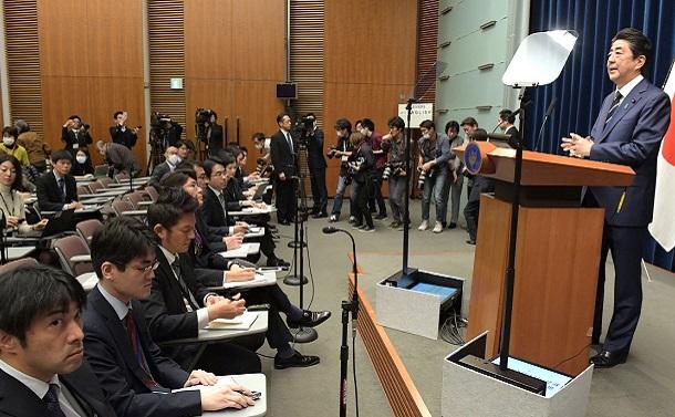 新型コロナウイルス禍、安倍首相の「記者会見もどき」