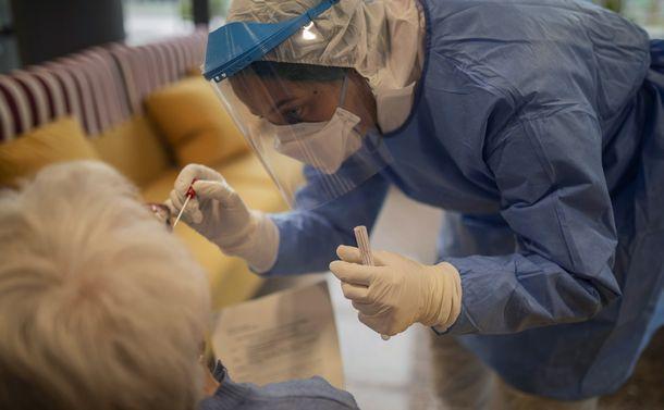 感染者の1割死亡のスペイン 医学生・看護学生、退職者を動員し出口探る