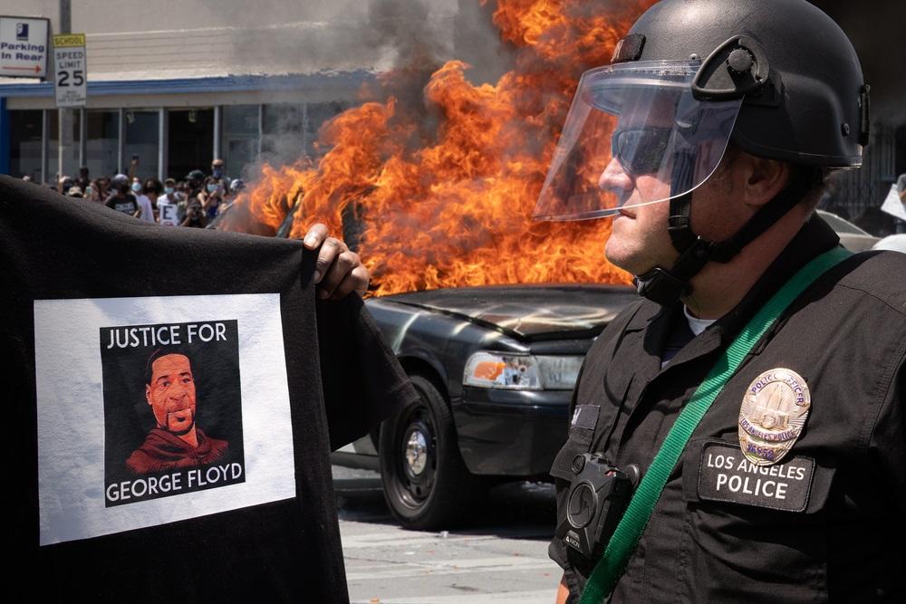 アメリカの黒人を警察官から守るには黒人を警察官にすればよい