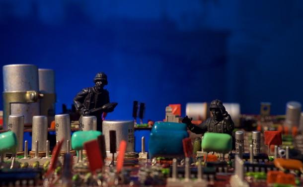 「サイバー戦争」を考える