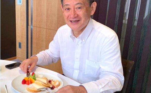 パンケーキとグループ・インタビュー/菅首相と政治部記者の歪んだ関係
