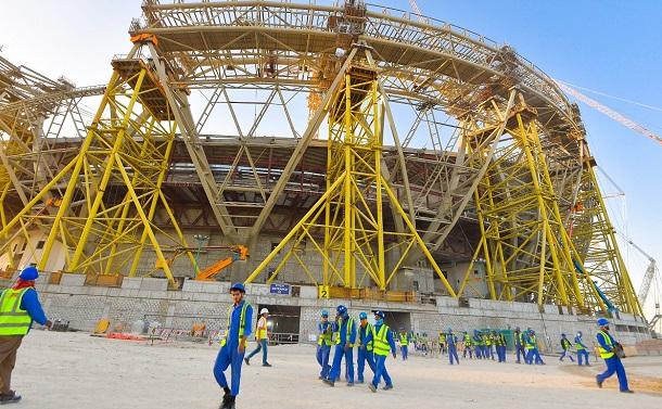 W杯カタール大会の建設工事に動員された外国人労働者の悲惨な現実