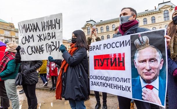 「プーチン宮殿」だけではないプーチンの正体