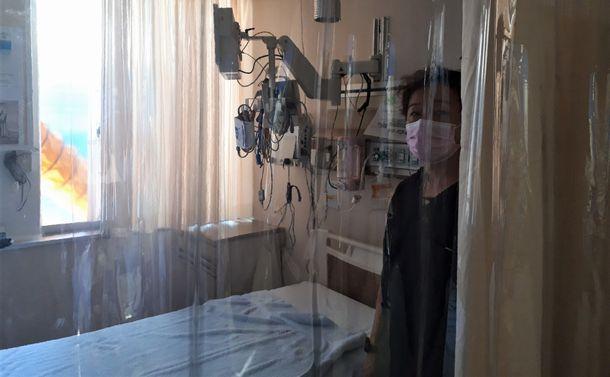 人口あたりの病床数は世界一なのにコロナ医療が逼迫する日本に必要なのは…