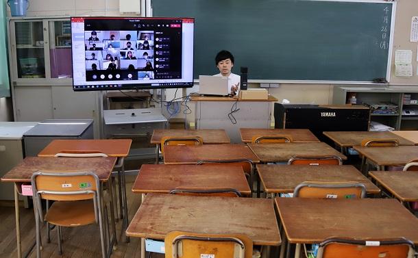 オンライン授業で「リアルタイム授業」は本当に必要か?