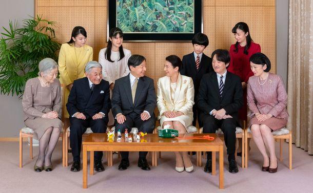 女性・女系天皇容認に向け、まずは女性宮家創設を