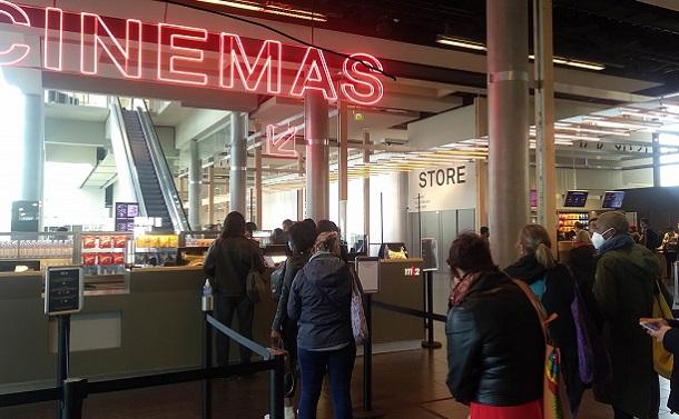 公開待ちの映画450本。フランスの映画館再開に喜びと不安