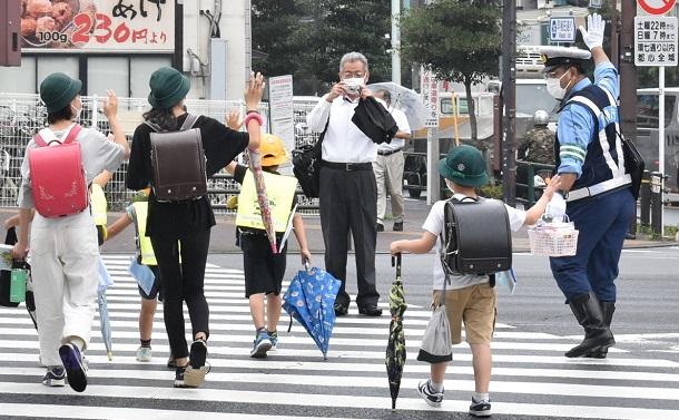 子どもの通学路を学校教職員・教委関係者は歩いて通勤すべきだ