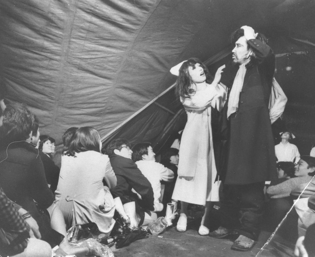 小劇場に行列、芝居がオシャレでフツーだった頃