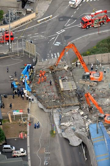 岐阜市の壁倒壊事故から1カ月、削られる安全対策費、「勝てば官軍」、工事のチェック進まぬ現状
