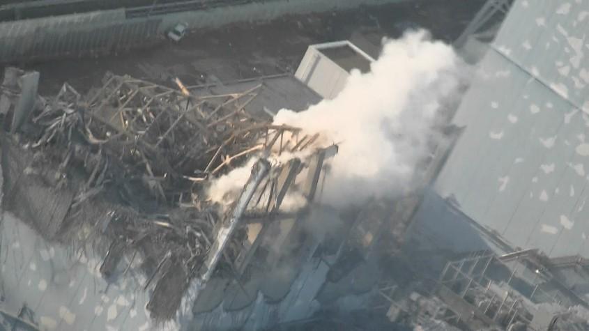 東京電力福島第一原発3号機に放水「一定の効果」