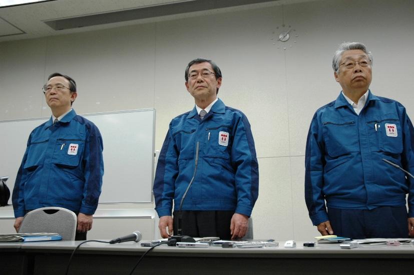 3月13日、東電で何が? 3号機水位低下、社長記者会見