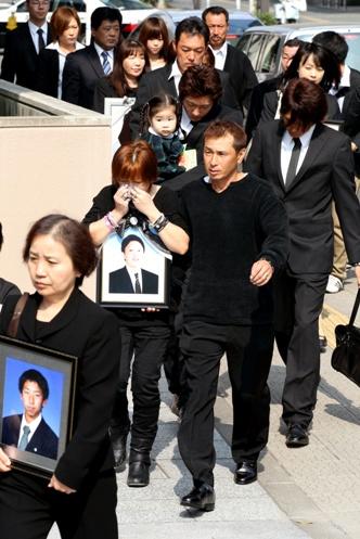 津波で教習生25人死亡、遺族が自動車学校を提訴
