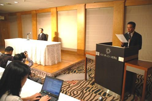 オリンパス:菊川会長兼社長の辞任と高山新社長の就任を発表した10月26日の記者会見の一問一答