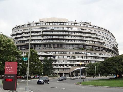 FBI前長官証人喚問へ ロシアゲート二重の疑惑