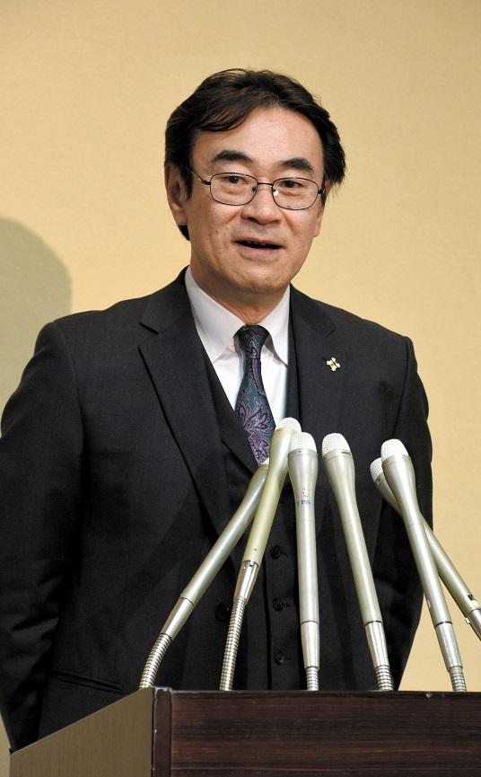稲田検事総長が退官拒絶、後任含みで黒川氏に異例の定年延長