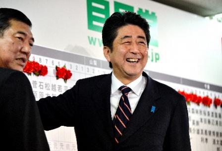 安倍自民圧勝と日本経済のこれか...